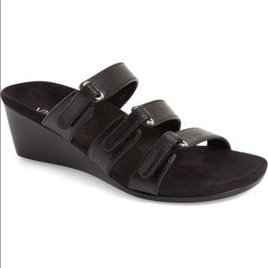 Vionic Dwyn Wedge Triple Strap Black Sandals